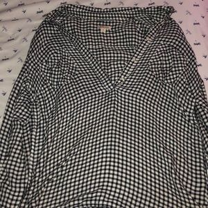 Black and white plaid blouse with 2 pockets
